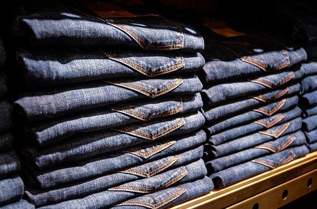 jak rozciągnąć jeansy